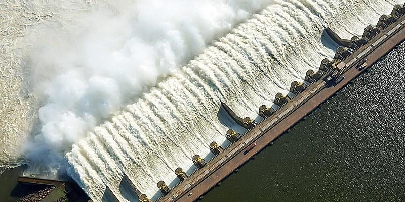 Usina de Tucuruí, no Pará, inaugurada em 1984 -- uma das 48 hidrelétricas da Eletrobras