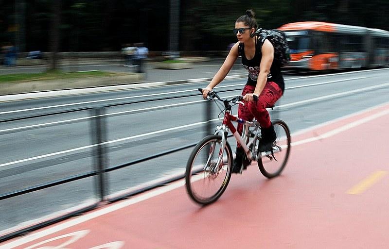 Bicicleta é cada vez mais usada como meio de transporte no Brasil