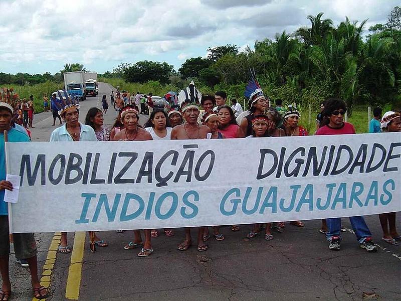 Indígenas do povo Guajajara, no Maranhão, protestam contra os ataques e invasões de madereiros na região