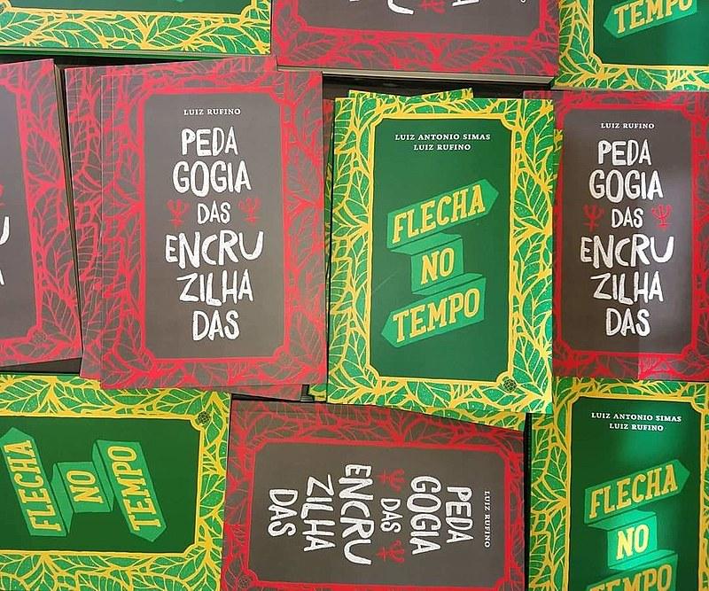 Lançamento dos livros acontece na Livraria Folha Seca