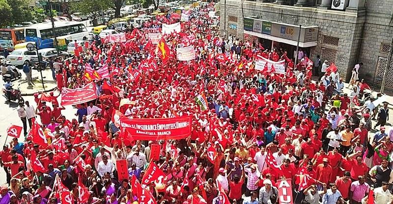 Protestos marcaram greve de dois dias na Índia com adesão massiva de trabalhadores de vários setores