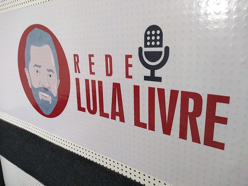 Com transmissões diárias a respeito da Vigília Lula Livre e das mobilizações em defesa do ex-presidente, Rede Lula Livre completou um ano