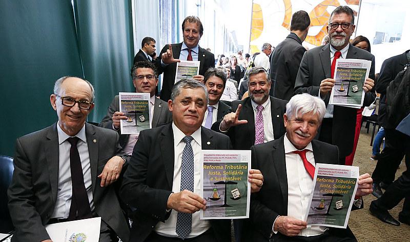 """Proposta de reforma """"justa, solidária e sustentável"""" foi lançada em evento na Câmara dos Deputados nesta terça-feira (8)"""