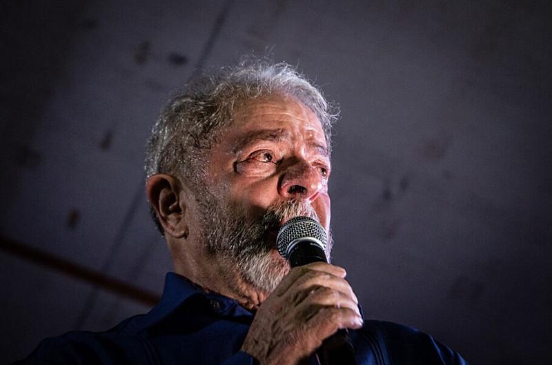 Ex-presidente Lula chora em discurso durante sua Caravana pelo Nordeste