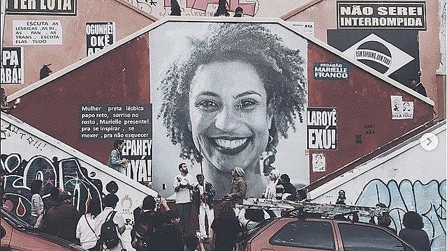 Un mural rinde homenaje a Marielle Franco en São Paulo