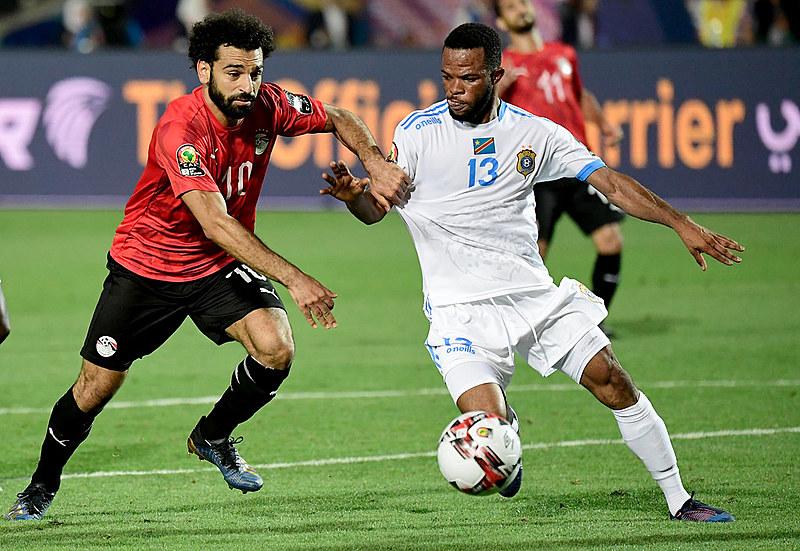 Mohamed Salah em dividida com Elia Mescha, do Congo; egípcio recebeu 5% dos votos nas eleições presidenciais de seu país
