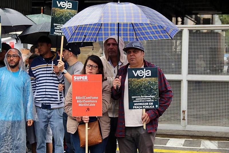 Trabalhadores demitidos se mobilizam para garantir que o Grupo Abril cumpra com seus compromissos trabalhistas