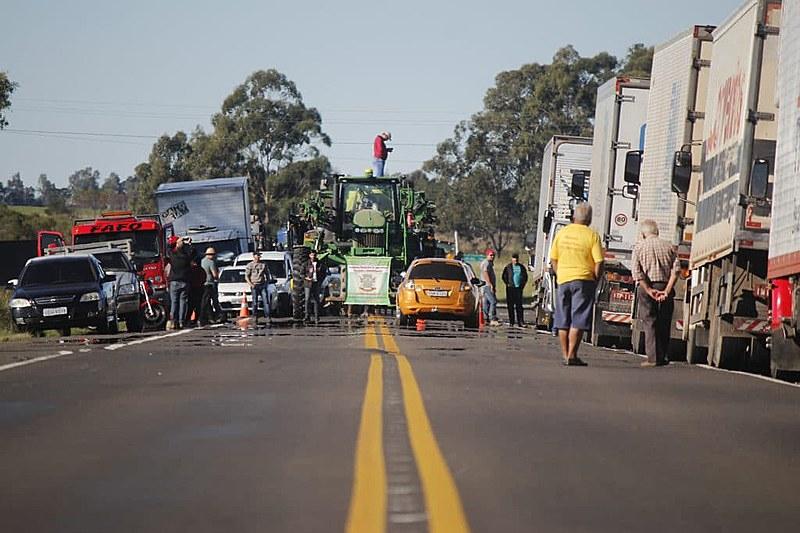 Greve dos Caminhoneiros na fronteira com Brasil/Uruguai.