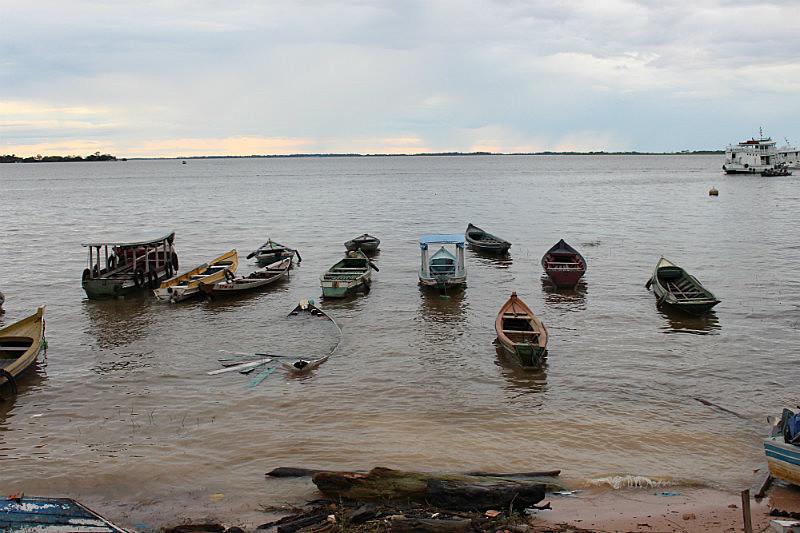 Quilombolas vivem da pesca no rio Amazonas, onde deve ser construído o porto