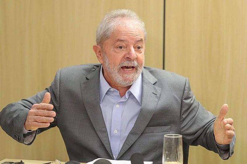 Lula falou por quase duas horas aos jornalistas Florestan Fernandes Jr. e Mônica Bergamo