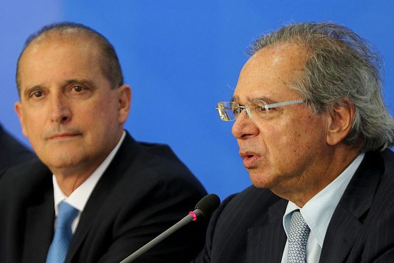 O ministro Onyx Lorenzoni da Casa Civil, voltará das férias com sua pasta enfraquecida