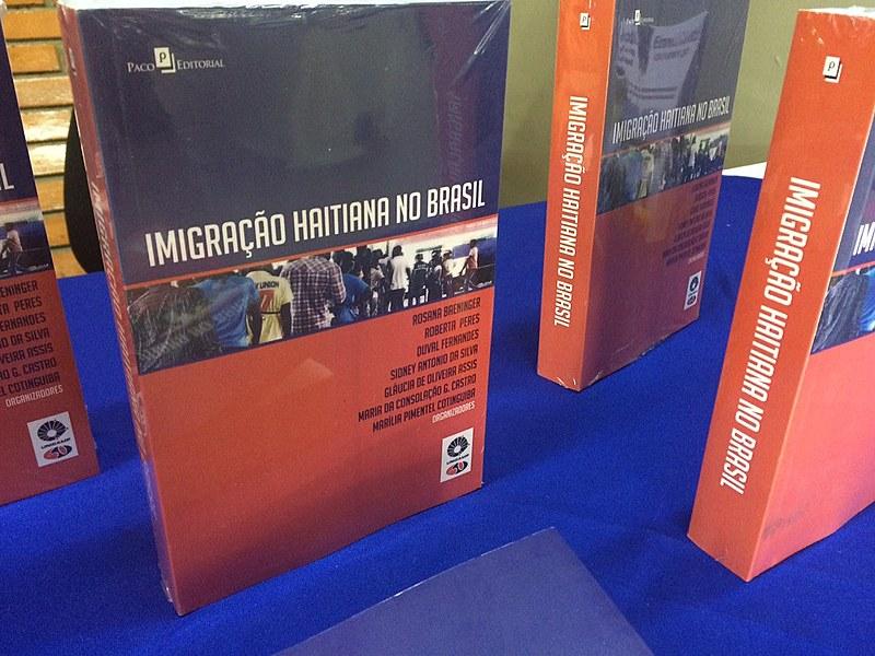 Livro com 29 artigos, lançado nesta terça (29) em Campinas, trata de temas como as rotas de acesso pela Amazônia e os impactos dos envios de remessas do Brasil ao Haiti