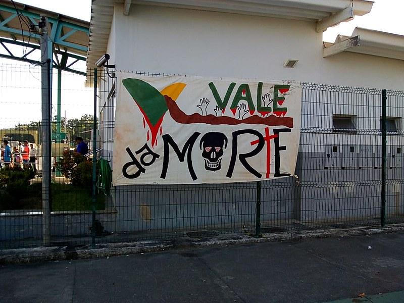 Ação em Governador Valadares; movimentos ocuparam uma base da empresa e fecharam os trilhos e a entrada do complexo.