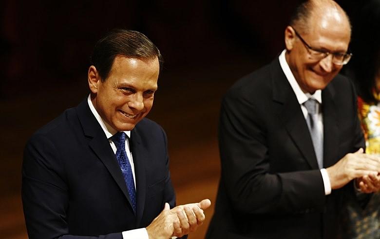 Doria e Alckmin prometeram um governo de união e começaram pelo reajuste do bilhete mensal e da integração