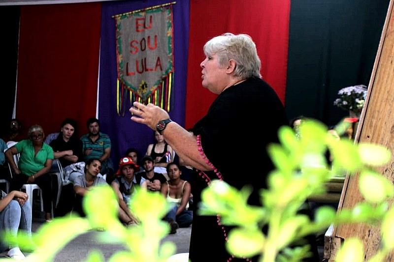 Aleida Guevara fala a militantes de movimentos populares em Curitiba