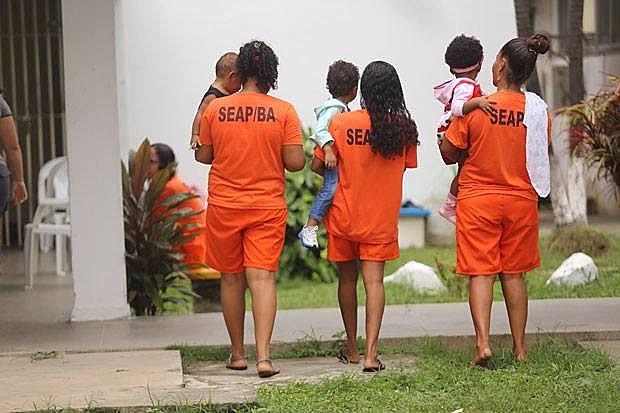 O sistema penitenciário não possui condições de atender mulheres e crianças