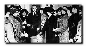 A primeira eleitora registrada no Brasil foi em 1927, no estado do Rio Grande do Norte