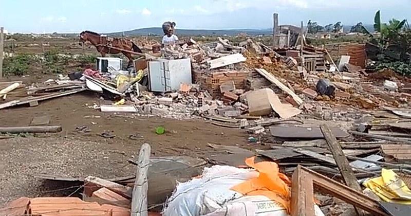 Despejo acaba com moradia de 500 famílias em ocupação