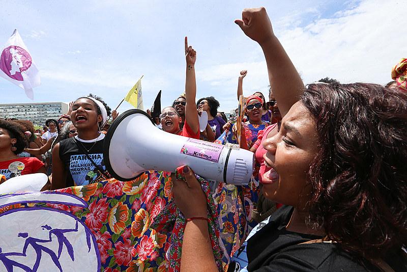 No Brasil, 4,8 entre 100 mil mulheres são vítimas de feminicídio