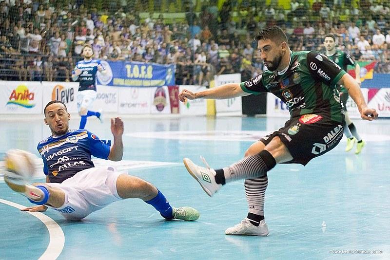 Marreco Futsal abriu vantagem na primeira partida da final, mas um empate no próximo jogo já garante a vitória do Pato.