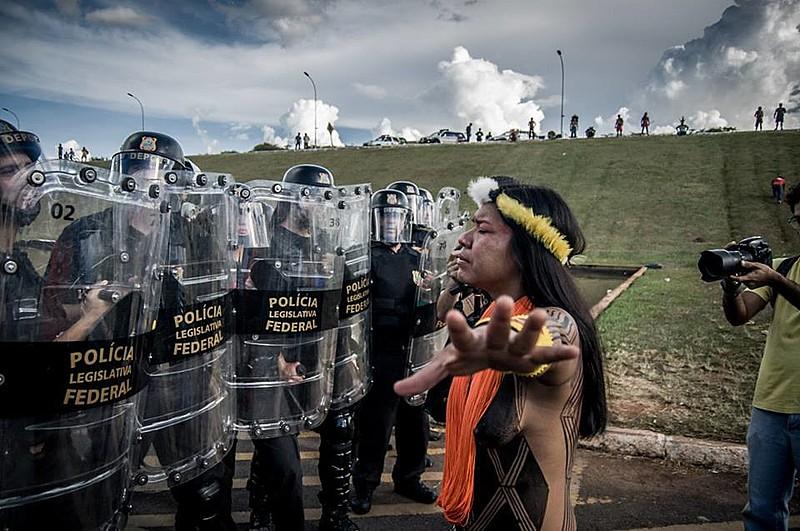 Indígenas em Brasília pedem demarcação de terras