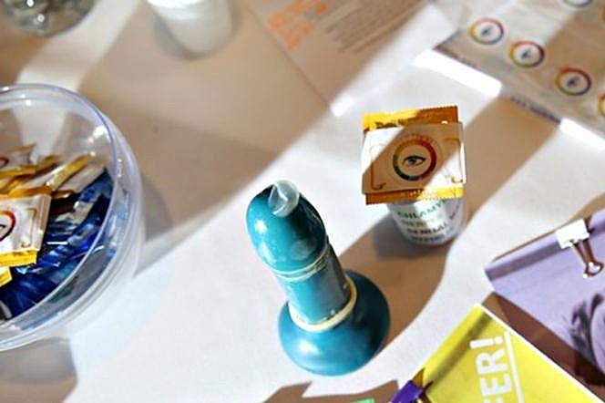 """""""Em relação ao comprimento, os preservativos variam, sendo os mais comuns de 16 a 19 centímetros"""""""