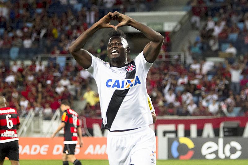 O contrato de Riascos com o Vasco terminou em maio