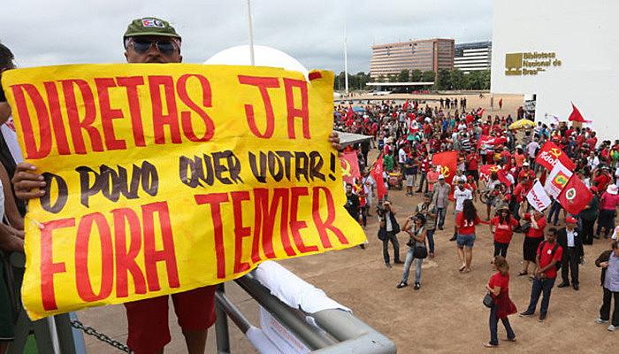 """Manifestação popular pede """"Fora, Temer""""e """"Diretas Já!"""""""