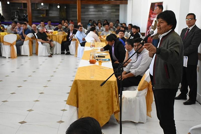 Segundo Morales, o golpe é organizado por comitês sediados em La Paz, Cochabamba e Santa Cruz