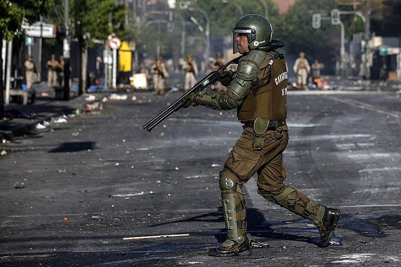 Governo neoliberal do Chile reprime violentamente protestos contra aumento de tarifas em outubro de 2019