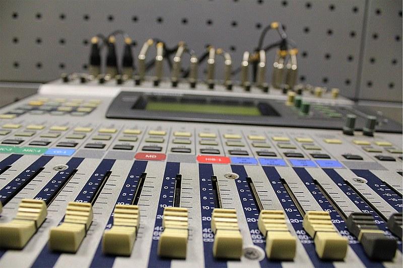 Uma das principais reivindicações dos trabalhadores da rádio e da TV é a realização de concursos públicos para os veículos