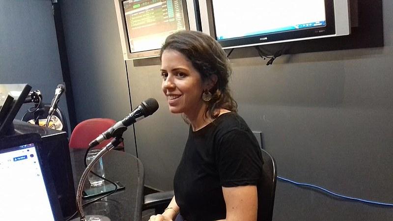 Júlia Pontés falou sobre a atuação do MAM e o porquê de as empresas de mineração impactarem tanto o meio ambiente, povos e territórios.