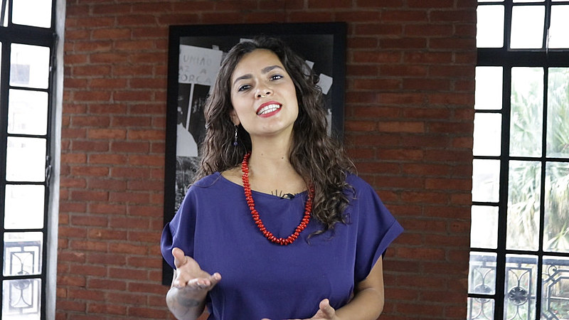 Journalist Pamela Oliveira hosts our weekly English-language show featuring the latest news and fun facts about Brazil