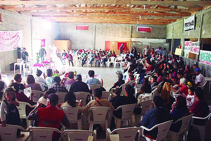 Moradores estão preocupados com impacto sanitário, econômico e ambiental da extração de minerais pesados no município