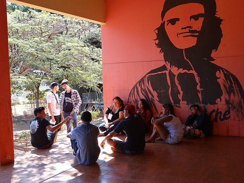 Cerca de 100 jovens ligados ao MST, Movimento Camponês Popular (MCP), Levante Popular da Juventude (LPJ), Movimento dos Trabalhadores Sem Teto (MTST); Pastoral da Juventude do Meio Popular (PJMP) e Pastoral da Juventude Rural (PJR) acamparam durante os três dias