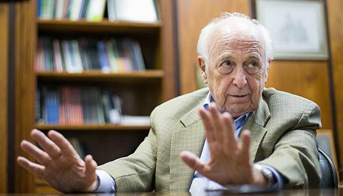 """Para Bresser, país passa por crise """"construída pelo liberalismo econômico sem ideia de nação"""""""