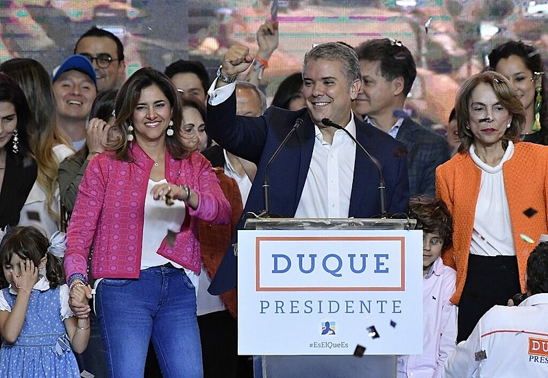 Novo presidente colombiano discursou após o resultado das eleições de domingo