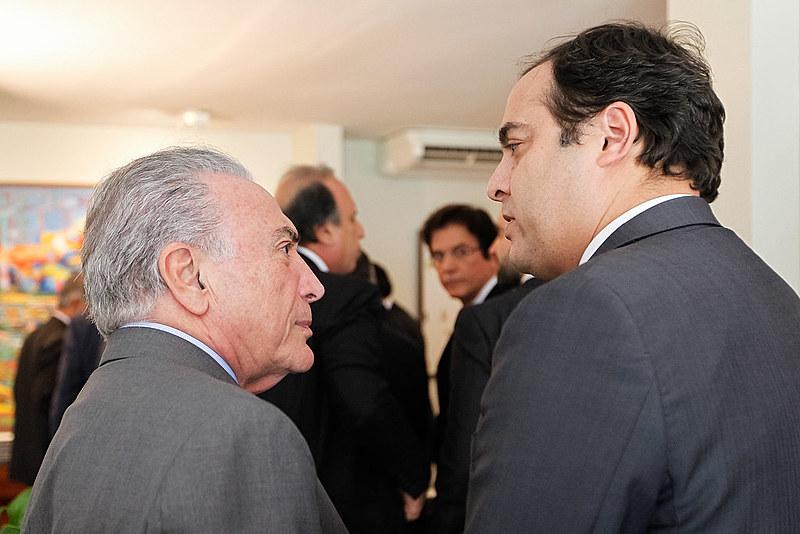 Michel Temer conversa com Paulo Câmara em almoço com governadores na residência do presidente da Câmara
