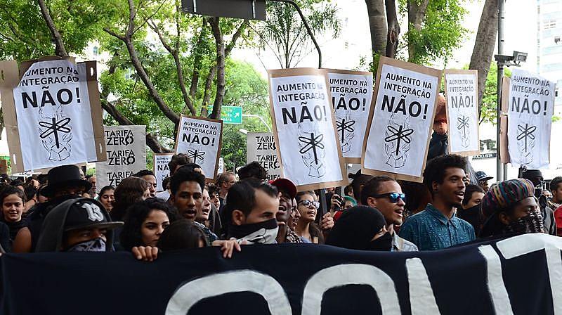 Protesto na Avenida Paulista, em São Paulo, contra o reajuste