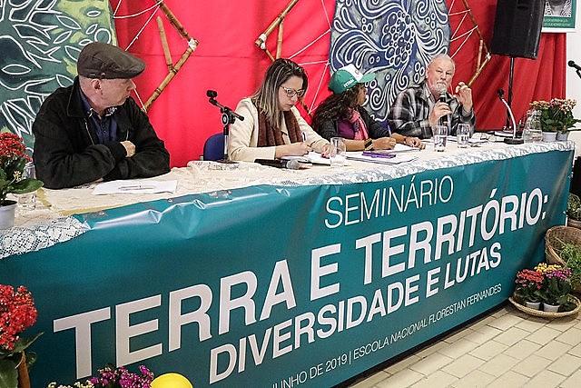 Participan del seminario entidades, académicos y movimientos populares en defensa del medio ambiente y de los trabajadores rurales