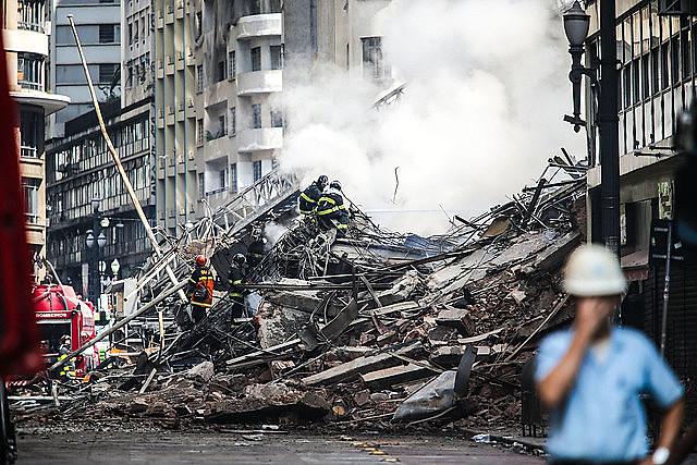 Incêndio e desabamento de prédio no Paissandu está sendo usado para criminalizar movimentos