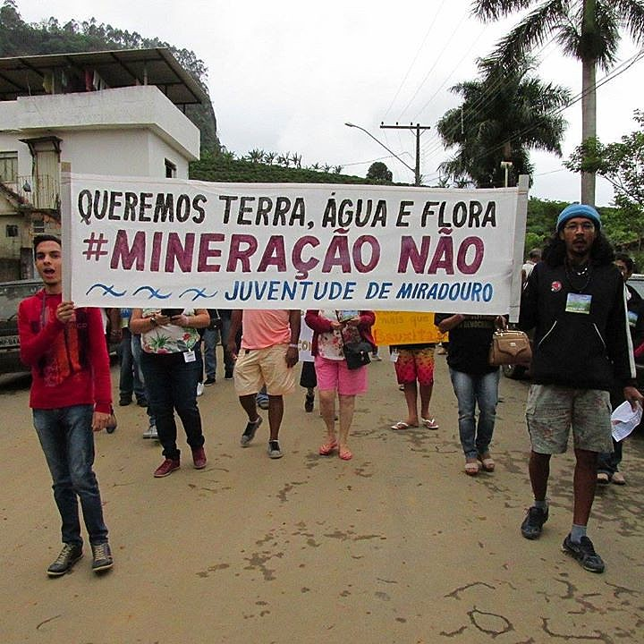 Em outubro de 2016, a comunidade de Belisário se manifestou contra a expansão da mineração na região