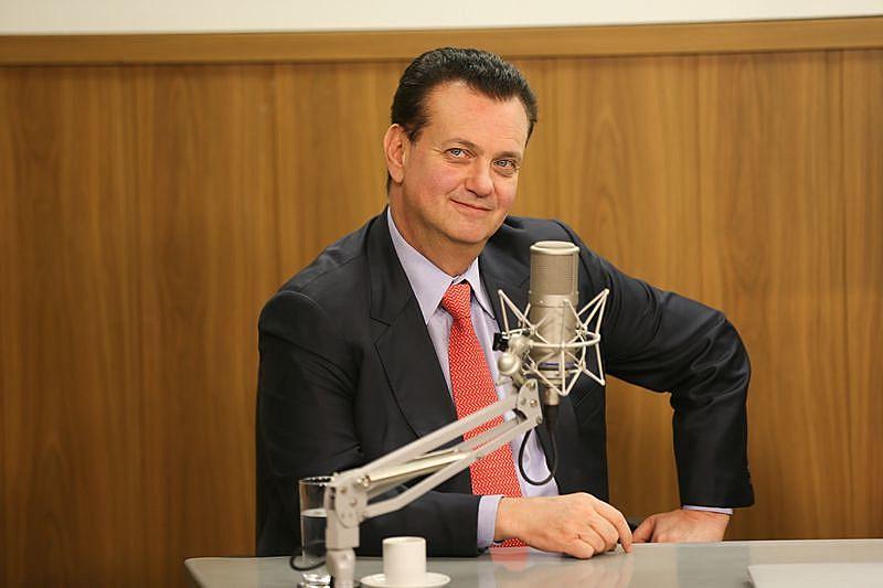 Ministro da Ciência, Tecnologia, Inovação e Comunicações, Gilberto Kassab, que anunciou limitação da banda larga, mas voltou atrás