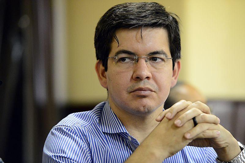 Líder da Rede no Senado, Randolfe Rodrigues (AP) pede que Supremo declare inconstitucionalidade da Lei da Terceirização
