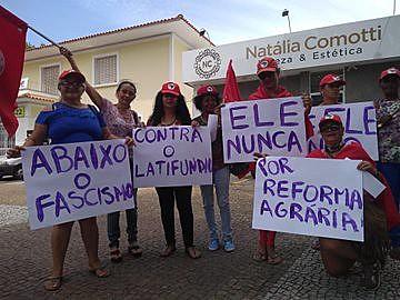 """Manifestação pelo """"EleNão"""", contra o fascismo"""