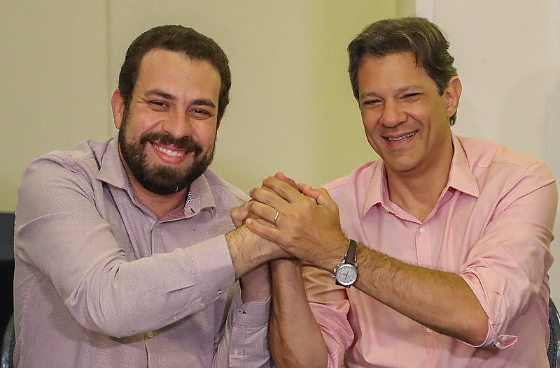 Guilherme Boulos sela apoio a Fernando Haddad no segundo turno das eleições 2018