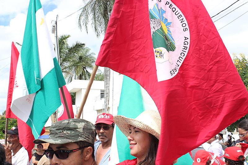 Ato em Ouricuri foi protagonizado pelas mulheres e reuniu movimentos populares da região do Araripe.