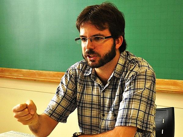 """""""Disco é um documento da música popular brasileira"""", afirma professor Pedro Duarte."""