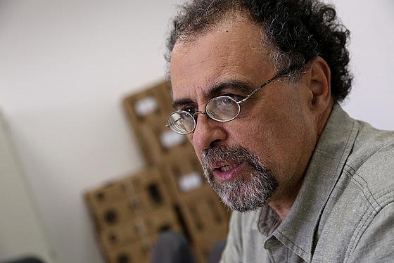 """Democracia de araque ficará ainda mais desmoralizada, num mundo cada vez mais incerto"""", explica Fuser"""