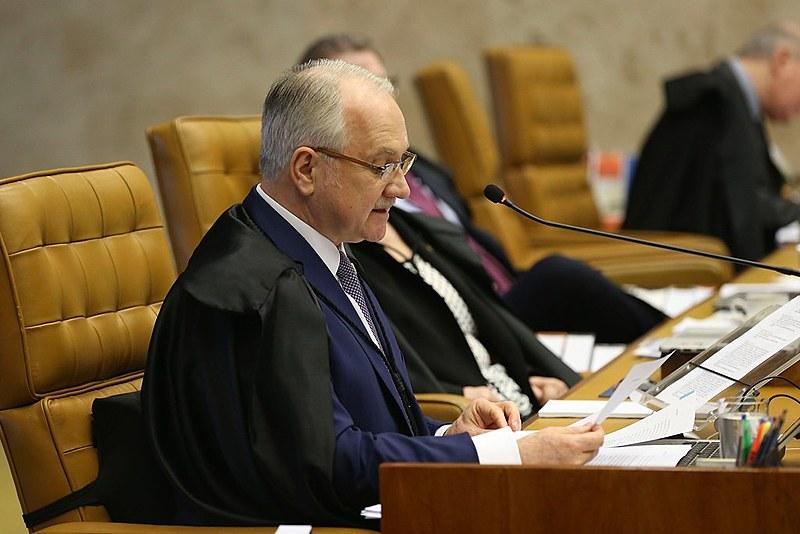 O relator, ministro Edson Fachin, durante sessão do STF para decidir sobre suspeição do procurador-geral da República, Rodrigo Janot